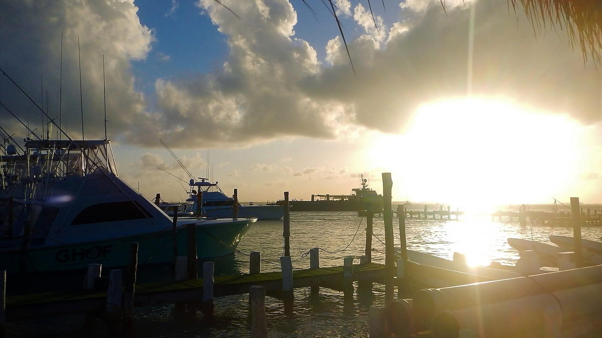 yachts at the docks on Isla Mujeres